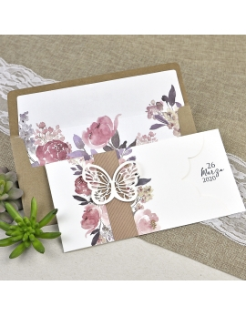 Invitación decorada con mariposa
