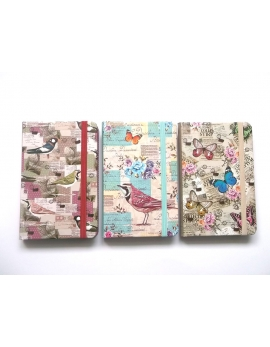Libreta decorada con mariposas
